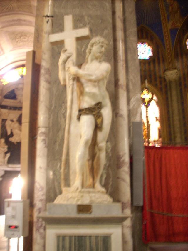 Cristo dalla gamba corta, opera di Michelangelo Buonarroti visibile a Santa Maria sopra Minerva, Roma
